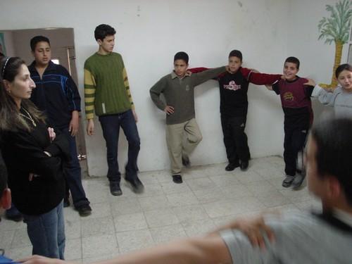 Betlemme: campo profughi di Aida. Ragazi che ballano nel centro culturale Al-Rowwad