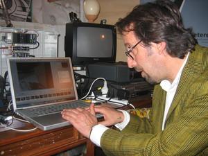 """Senigallia, 16 ottobre 2005. Enea Discepoli, fondatore della Telestreet Disco Volante e dello """"Studio Zelig"""", associazione culturale che opera nei campi specifici della cultura, dell'arte e della form"""