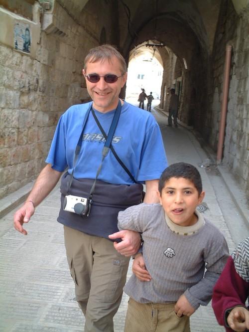 Nablus: un bambino palestinese con Enrico