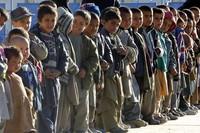 Foto di bambini per strada
