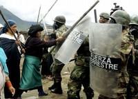 Ecuador: la repressione frena la protesta contro il TLC
