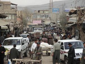 Per le strade di Halabja. Sembra una vista caratteristica ma c'è ancora molto da realizzare per rendere la cittadina vivibile.
