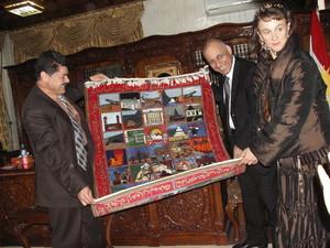 Erbil: Ci viene offerto un tappeto in dono.