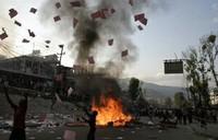 Nepal: E la farsa continua...