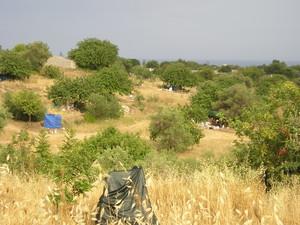 Una vista di quelli che sono i campi di accoglienza. Niente acqua potabile, né servizi igenici. Una tenda dove passare la notte e qualche persona che ti ricorda che non sei solo.
