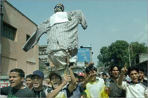 Proteste degli studenti contro le dichiarazioni di Koirala