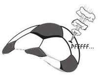 Calcio e pallone sporcato