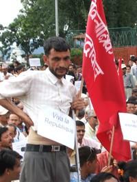 Nepal: il movimento continua