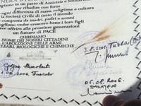 Un particolare della pergamena con le firme di alcuni sindaci di città dei Balcani