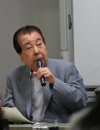 Akihiro Takahashi. Hibakusha, sopravvissuto alla bomba atomica; Ex-direttore del Peace Memorial Museum di Hiroshima