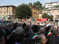 Marzabotto 1 ottobre 2006: Uno scorcio della piazza gremita di gente