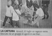 Vicecapo della Digos e agenti contro un manifestante: ecco tutte le immagini