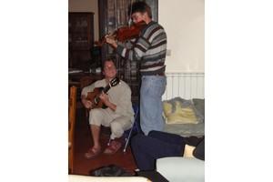 Amici ospiti di Pax Christi ci allietano con un saggio musicale