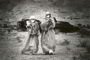 Due ricercatori giapponesi inviati da Hiroshima per analizzare la situazione (febbraio 2002)