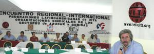 Carlos Amorín della UITA durante la conferenza stampa