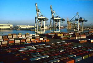 Il porto di Amburgo. Container terminal Toller Ort Hhla