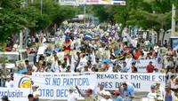 Momenti della marcia a Managua