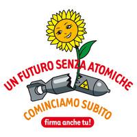 """La Campagna """"Un futuro senza atomiche"""" consegna le firme al Parlamento italiano"""