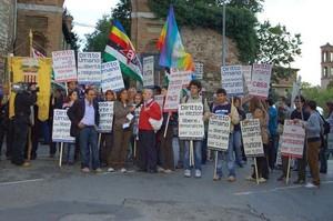 Foto della Marcia Perugia-Assisi 2007 - Arco di S. Girolamo, prima della partenza