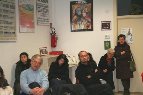 Cittadini alla serata su rifiuti con video di Zenone Sovilla